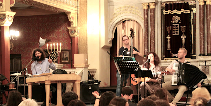 Musical Shabbat in the Tempel Sunagogue with Rabbi Tanya Sega, Mojse Band and the NFTY group